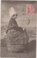 Cpa,normandie,1904,type Et Costume D´epoque(et Coiffe Inédite) Femm,eavec Robe Longue,timbre - Mode