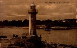 BENODET...LE PHARE ET MALAKOFF...CPA - Lighthouses