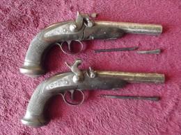 Paire De Pistolets De La Manufacture De Liège - Armes Neutralisées