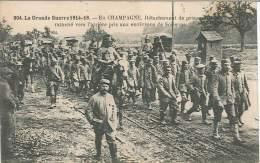 CPA Guerre 14-18 - En Champagne - Détachement De Prisonniers Ramené Vers L'arrière Pris Aux Environs De Soissons - Guerre 1914-18