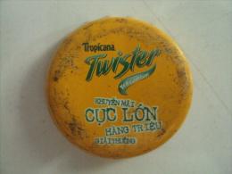 Vietnam Viet nam Twister Cuc soc used crown cap / kronkorken / chapa / tappi