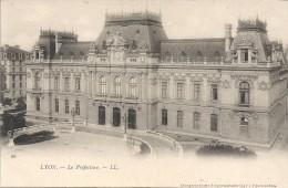 LYON - 69 - CPA DOS SIMPLE De La Préfecture  - VAN - - Lyon