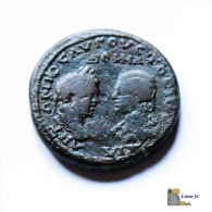 Bronce Colonial - Caracalla Y Julia Domna - 4. Autres Monnaies Romaines