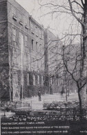 LONDON, England, 1900-1910's; Fountain Court, Middle Temple - London