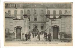 CPA MILITAIRE VERSAILLES (Yvelines) - Caserne Du Génie Rue De Noailles - Versailles
