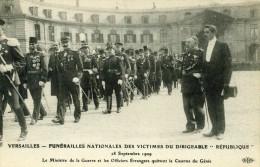 VERSAILLES - YVELINES  (78)  - CPA ANIMEE . - Versailles
