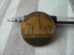 Médaille à Identifier !!!!!!!!!!!!!!!!!! - Monétaires / De Nécessité