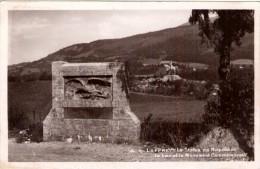 Laffrey  - La Statue De Napoleon - Le Lac Et Le Monument Commémoratif - Laffrey