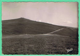 88- Les Mont Du Forez Col Du Beal Les Pistes En Direction De Pierre Sur Haute ... - Zonder Classificatie
