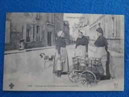 Groupe De Laitieres Des Environs De Blois. Reproduction Par Cecodi No.919 - Blois