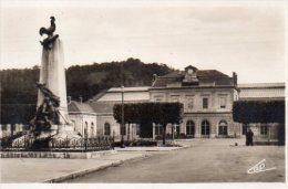 CPA BAR LE DUC - LA GARE ET LE MONUMENT DE 1870 - Bar Le Duc