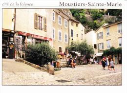 MOUSTIERS-STE-MARIE (04-Alpes De  Haute Provence), Cité De La Faïence, Café La Saladière - Caffé
