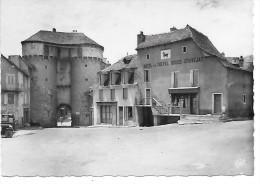 MARVEJOLS - La Porte Soubeyran Et L'Hôtel Du Cheval Rouge - Marvejols