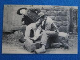 BRETAGNE CHEZ NOS REBOUTEUX LE MASSEUR DE PONT SCORIT UN PIED FOULE. Reproduction Par Cecodi No.A4 - Bretagne