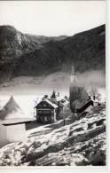 Landpartie Mit Kirche Im Winter - Fotografie