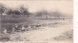 INFANTERIE FRANCAISE DANS LES TRANCHEES DE PREMIERE LIGNE AUX ENVIRONS DE ROYE...GUERRE 14 18 - Guerra 1914-18