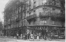 75014  PARIS   A LA MENAGERE ECONOME 141  RUE D ALESIA 75014 PARIS   RARE    GROS PLAN   PATRONS ET EMPLOYES - Arrondissement: 14