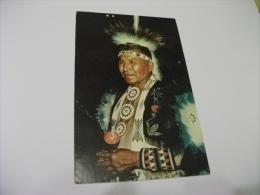 A COLORFUL AMERICAN INDIAN COSTUMI INDIANI PICCOLO FORMATO - Indiani Dell'America Del Nord