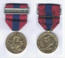 Médaille De La Défense Nationale - Echelon Bronze - Barette Infanterie - France