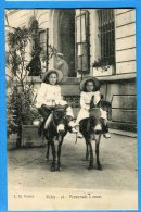 EGG900, Vichy, 36, Promenade à ânes, 2 Petites Filles,  Animée, Non Circulée - Ezels