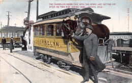 (Colorado) - Denver - The Cherrylyn Horse Car, With The Horse Just Getting Off After His Free Ride Coming Home - 2 SCANS - Denver