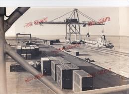 Au Plus Rapide Fos Sur Mer Le Port Terminal Containers - Automobili