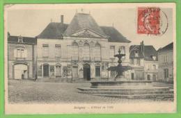 JOIGNY L'Hôtel De Ville - Joigny