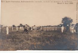 C.P. LAOS. APRES L'EXECUTION ENLEVEMENT DES CERCEUILS A DRITE PRESSE. HANOÏ 6 AOUT 1908. R. BONAL. PHOTO.  HAIPHONG/4245 - Laos