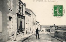 DRAIN - La Grande Rue - Personnages, Petite Animation - Francia