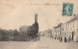 CPA BELLEVILLE SUR VIE 85 - La Grande Rue - Francia
