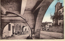 Roquebrune-su-Argens : Vue Des Portiques Et L´horloge - Roquebrune-sur-Argens