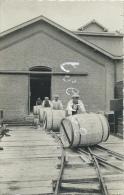 Jemeppe-sur-Sambre - Usine Solvay - Transport Des Tonneaux De Soude Caustique - Carte Photo, Unique ( Voir Verso ) - Jemeppe-sur-Sambre