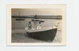 Photographie , 9 X 6.5 , OUISTREHAM , 1925 , Barque - Lieux