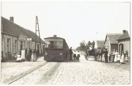 Beerse -Buurtspoorweg - wachtzaal met tram !