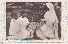 Afrique - Madagascar - Missions - Soeur Indigène Vieilles Femmes - Mère Berchmans Couvent Providence La Tronche Isère - Madagascar