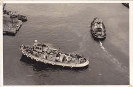 Batiment Militaire Marine Francaise Valeureux  Vue Prise D En Haut A 688 - Boats