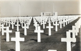 Colleville - Le Cimetière Américain Et Le Mémorial - Carte CAP Dentelée, Non Circulée - Oorlogsbegraafplaatsen