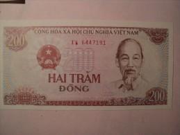 VIET NAM. BILLET DE 200 DONG 1987. HAI TRAM DONG. CONG HOA XA HOI CHU NGHIA VIET NAM NGAN HANG NHA NUOC VIET NAM. - Vietnam