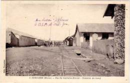 MAROC – Oued-Zem – Rue Du Capitaine Mercier Traversée Du Camp – Edit. Vounatsos - Maroc