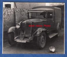 Photo Ancienne - BETHUNE / FOUQUIERES Les BETHUNE - Automobile Accidentée - Camionnette RENAULT - Cars