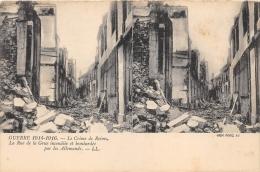 """MARNE  51  REIMS  GUERRE 14 18 """"LE CRIME DE REIMS""""  LA RUE DE LA GRUE BOMBARDEE PAR LES ALLEMANDS  CARTE STEREO - Reims"""