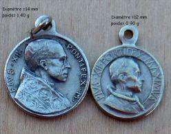 Mad-554Lot De 2 Médailles Pius XII - Godsdienst & Esoterisme