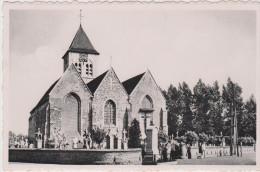 Poperinge reningelst Kerk en gedenkteken der gesneuvelden
