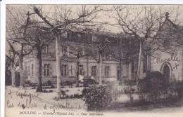 Moulins -noviciat Cour Intérieure - Moulins