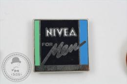 Nivea For Men Advertising Pin Badge #PLS - Marcas Registradas