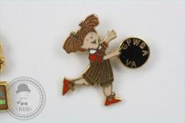 Little Girl Playing Bowling - GPWBA VA Bawling Club - Pin Badge #PLS - Bowling