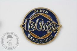 Lee Cooper Denim Experience Trademark - Pin Badge #PLS - Marcas Registradas