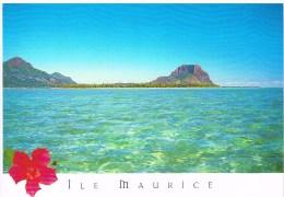 Carte Postale - Maurice - Le Morne Brabant Vu De La Mer - Maurice