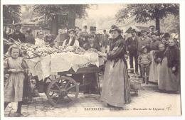 E2349 - BRUXELLES  -  Scène De La Rue  -  Marchande De Légumes - Markten