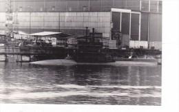 Batiment Militaire Marine Perou Sous Marin A Quai - Boats